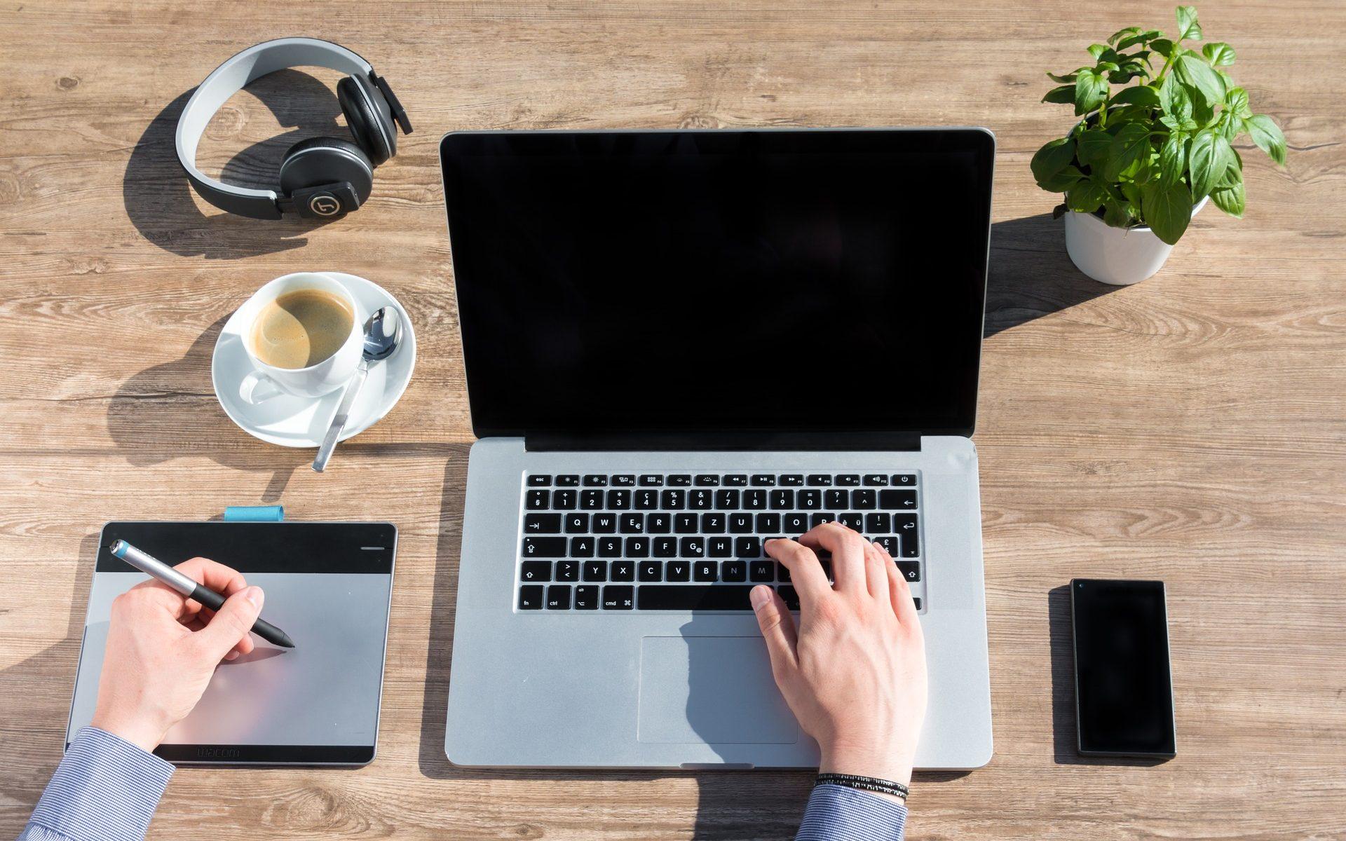 Agence Web - Freelance - support de communication